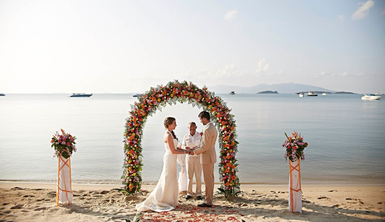 Samui beach wedding celebrant