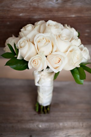 White-Rose-Wedding-Bouquet-Simple-and-Elegant
