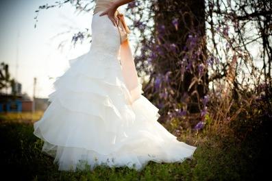 wedding-dress-349959_1280
